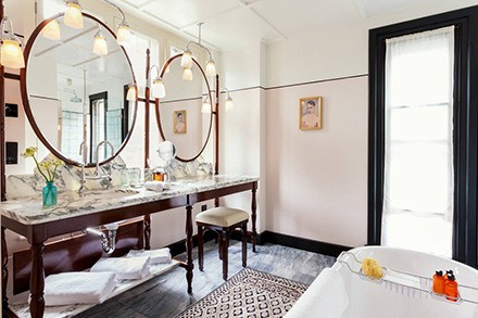 Chiltern Firehouse, Manhattan Loft Corporation, five years of redevelopment. Bathroom.